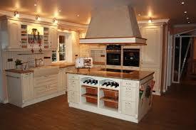 kueche plus frisch umgestalten offene kuche wohnzimmer