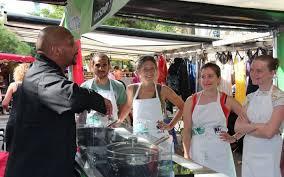cours de cuisine ile de ile de des cours de cuisine antigaspi au milieu du marché