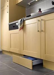 plinthe cuisine ikea cuisine 12 astuces gain de place kitchen essentials ikea
