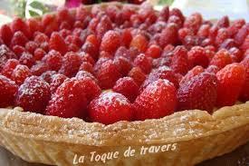tarte aux fraises pate feuilletee tarte feuilletée aux fraises pour fêter les mamans la toque de