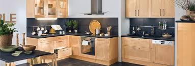 cuisine bois massif contemporaine les meubles de cuisine en bois
