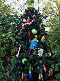 Plutos Christmas Tree by Animal Kingdom Character Christmas Trees On The Go In Mco