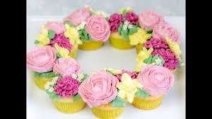 Zuckerblumen Selber Spritzen Anleitung Was Weiße Schokoladencupcakes Mit Kokosbuttercreme