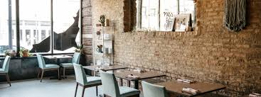 Great Chicago Restaurants For Dining Solo