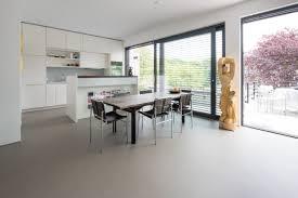 urbaner betonlook zeitlos schön betonboden wohnzimmer