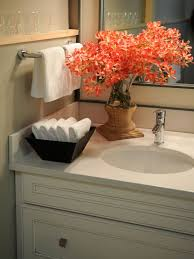 Guest Bathroom Decor Ideas Pinterest by Best 25 Bathroom Sink Decor Ideas On Pinterest Bathroom Vanity