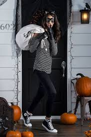Spirit Halloween Wichita Ks Hours by Best 25 Robber Costume Ideas On Pinterest Bank Robber Costume