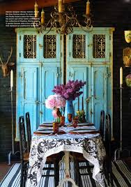 Create A Pleasant Atmosphere In Your Dining Room Adding Some Colored Vintage Details