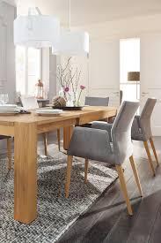 der moderne und elegante armlehnenstuhl natura carry mit
