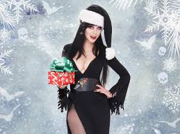 Halloween Wars Host 2015 by Elvira U0027the Queen Of Halloween U0027 Shares Her Christmas Plans