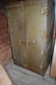 Vintage Underwriters Laboratories Art Metal Safe
