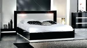 chambre a coucher blanc laqué chambre laque blanc brillant lit adulte blanc laque comment