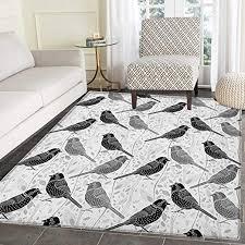 teppich mit floralem blütenknospen blättermuster