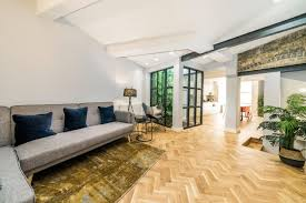 100 Architecturally Designed Houses 2BD House Islington London