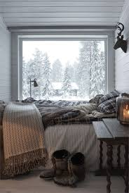 Cozy Rustic Ski Chalet Decor For A Small Bedroom