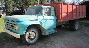 100 61 Ford Truck 19 F600 Grain Truck Item 8662 SOLD May 11 Ag Equ