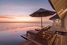 100 Maldives Lux Resort LUX South Ari Atoll Dhidhoofinolhu