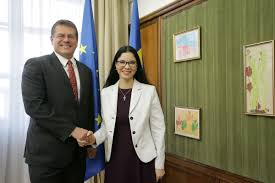 100 Sefcovic Deputy PM Birchall Discusses With Maros On Consolidation Of