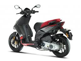 Aprilia 150 Scooter India Images Front Angle