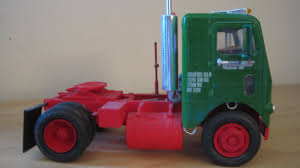 NEW Release - White Freightliner Single-Drive (AMT 1004) - Truck Kit ... Bigfoot Amt Ertl Monster Truck Model Kits Youtube New Hampshire Dot Ford Lnt 8000 Dump Scale Auto Mack Cruiseliner Semi Tractor Cab 125 1062 Plastic Model Truck Older Models Us Mail C900 And Trailer 31819 Tyrone Malone Kenworth Transporter Papa Builder Com Tuff Custom Pickup Photo Trucks Photo 7 Album Ertl Snap Fast Big Foot Monster 1993 8744 Kit 221 Best Cars Images On Pinterest