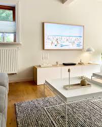 wohnzimmer wanddeko fernseher couchtisch scandi