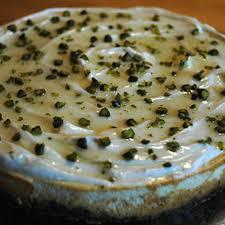käsekuchen mit griechischem joghurt honig und pistazien rezept