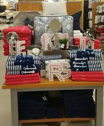 bed and bath cove retail display tj maxx topeka store display