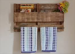 Diy Pallet Towel Bar