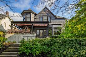 100 E Cobb Architects See Inside Six Seattle Modern Homes This Weekend Curbed