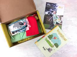 As Always The Box Comes With All Supplies Needed To Create A Trio Of Fun Age Appropriate Crafts Plus It Has Magazine Extra