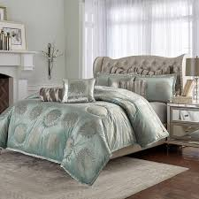 Michael Amini Regent bedding in King and Queen Sizes Michael