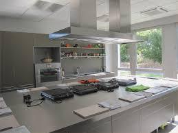 equipement cuisine impressionné materiel de cuisine professionnel mobilier moderne