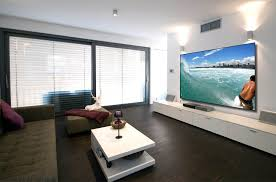 Ceiling Mount For Projector Screen how to choose a projection screen digital trends
