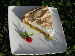 cuisiner la rhubarbe dessert tarte à la rhubarbe meringuée terre et mar