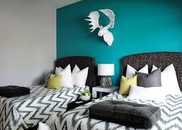 chambre bleu turquoise bleu turquoise et gris en 30 idées de peinture et décoration bedrooms