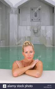 therme bad griesbach frau portrait beauté tuerkisches bad