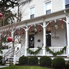 Outdoor Christmas Decorating Ideas Front Porch by 524 Best Xmas Outdoors Images On Pinterest Christmas Decorations