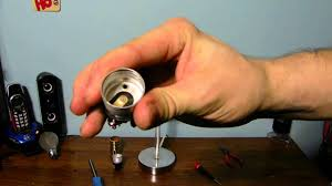 Porcelain Lamp Socket Pull Chain by How To Repair Your Lamp Socket To Replace It With A New One Youtube