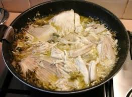 cuisiner la raie au beurre noir ailes de raie sauce au beurre noir recette de ailes de raie sauce