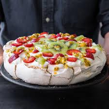so machst du die perfekte pavlova torte