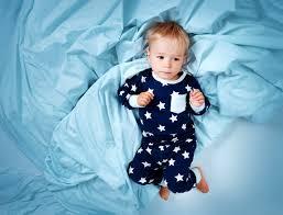 a quel age un bebe se tient assis 28 images 192 quel 226 ge