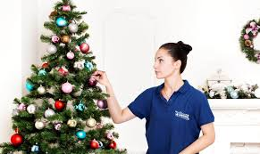 Christmas Tree Decorator Ralitsa Prodanova Press Image From Samantha Harris