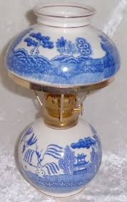 Miniature Oil Lamps Ebay by 244 Best Oil Lamps Images On Pinterest Antique Oil Lamps