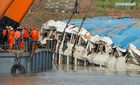 Cruise Ship Sinking 2015 by Cruise Ship Sinking Eastern Star Sinks June 1 2015 Chongqing