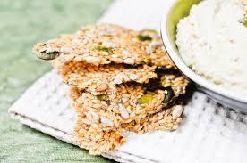 cuisiner cru 70 recettes food crackers crus aux graines de recette chocolate zucchini