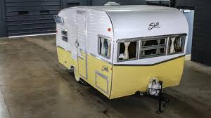 1961 Shasta Airflyte Reissue 2015 Replica Canned Ham Vintage Travel ...