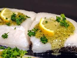 comment cuisiner le cabillaud recette filet de cabillaud à l ail et au persil cook be