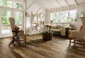 DecorationsRustic Style Living Room Design With Swiwel Leather Seating And Pallet Hardwood Laminate Floor
