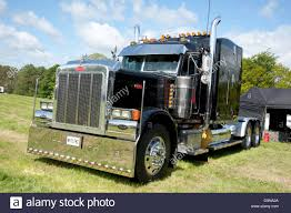 Truck Sleeper Cab Stock Photos & Truck Sleeper Cab Stock Images - Alamy