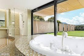 schöne badezimmer mit whirlpool stockfoto und mehr bilder architektur